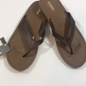 Women's sandals NWT size Large
